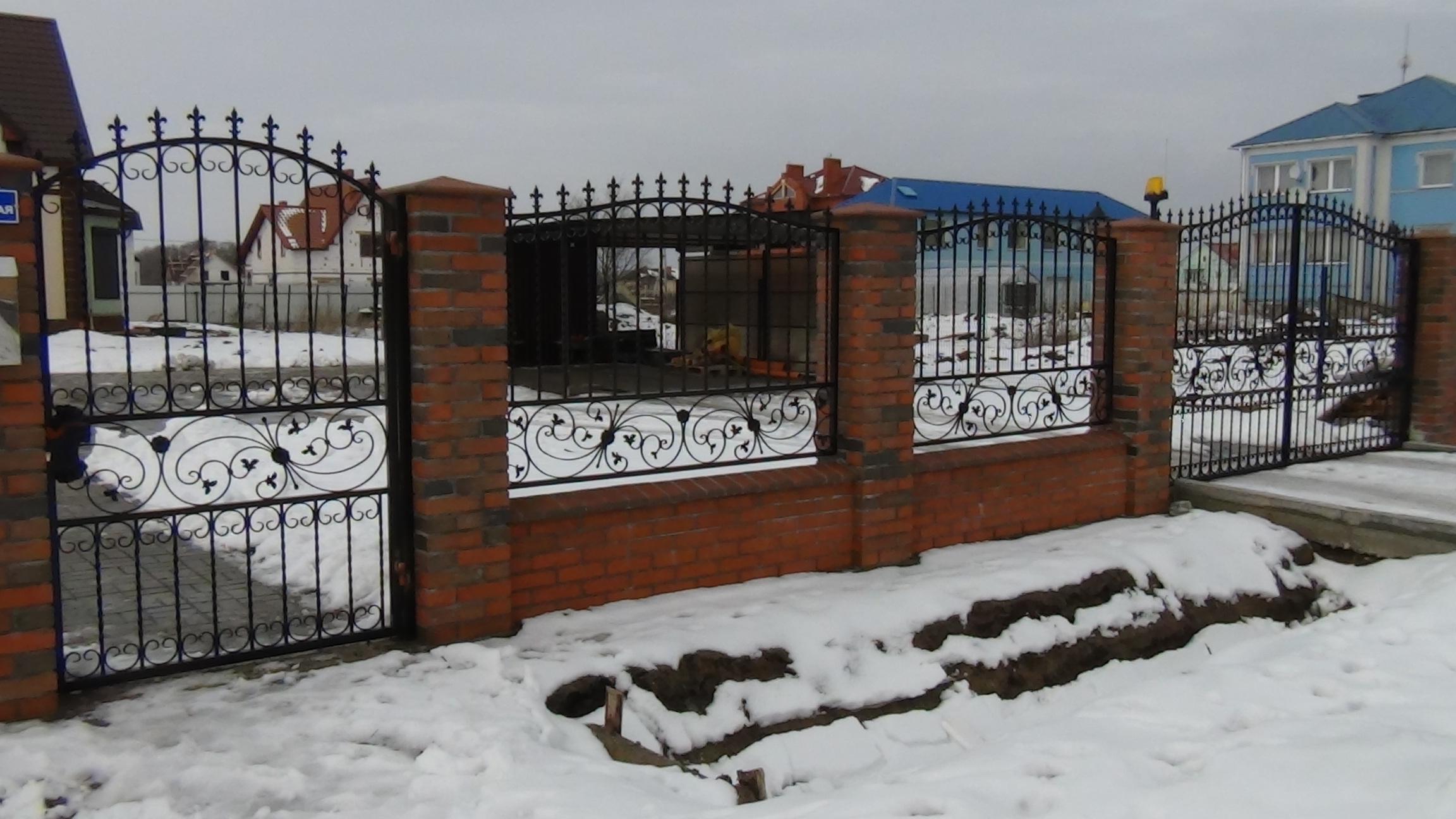 Ковка цветы на забор фото
