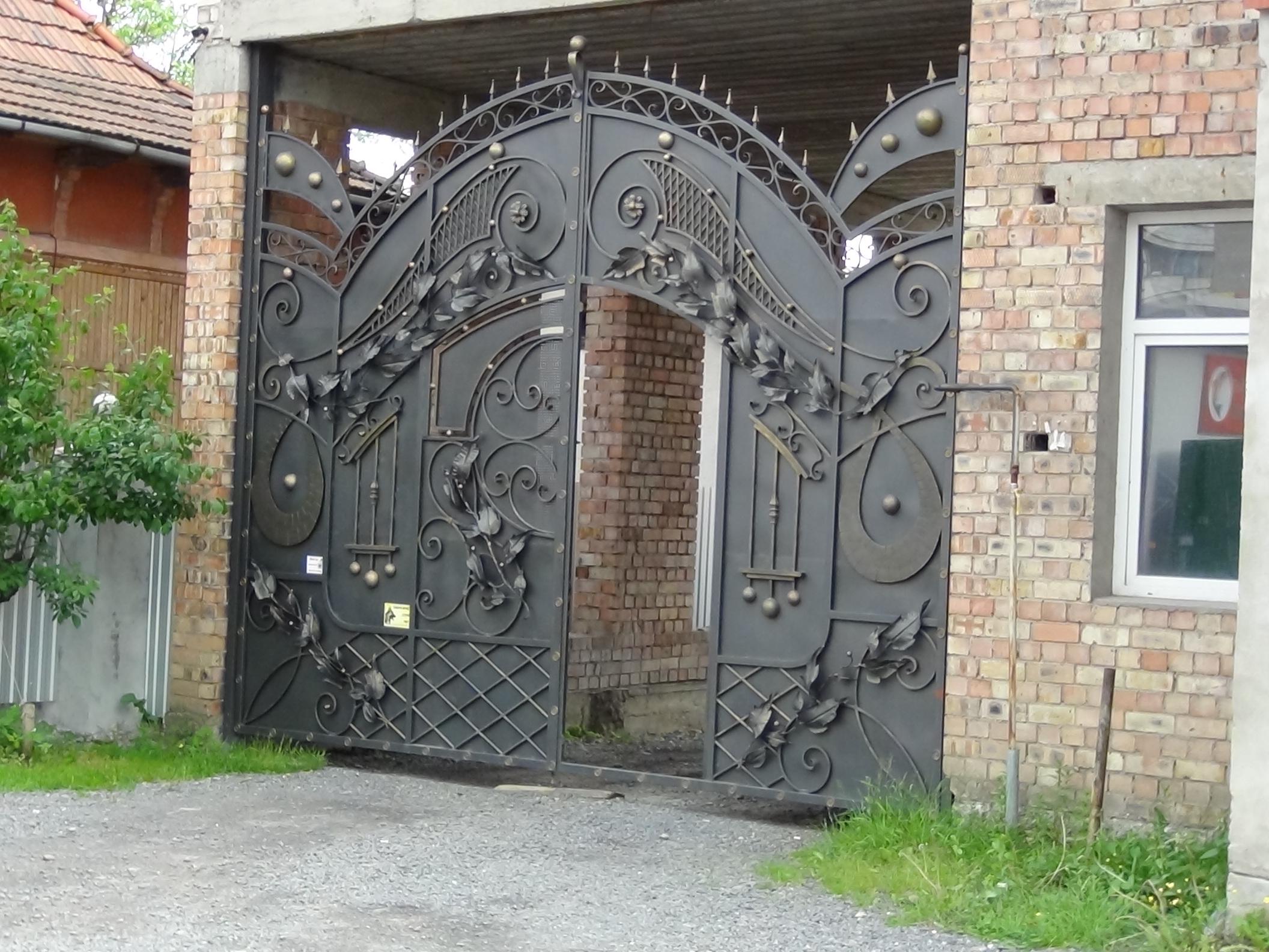 Художественная ковка.ворота с калиткой. с розой.