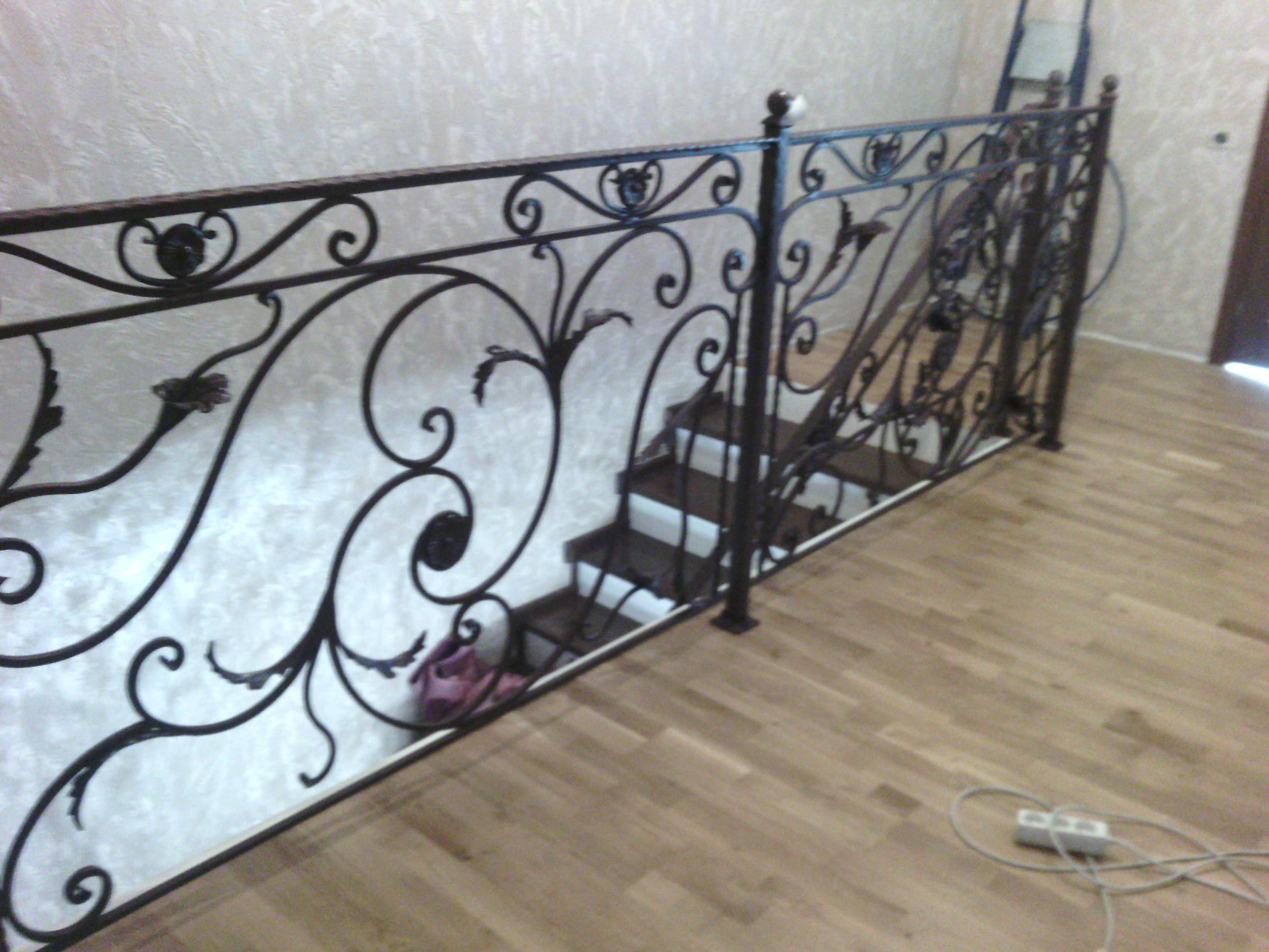 14) Лестница в готовом виде. В коричневом цвете.