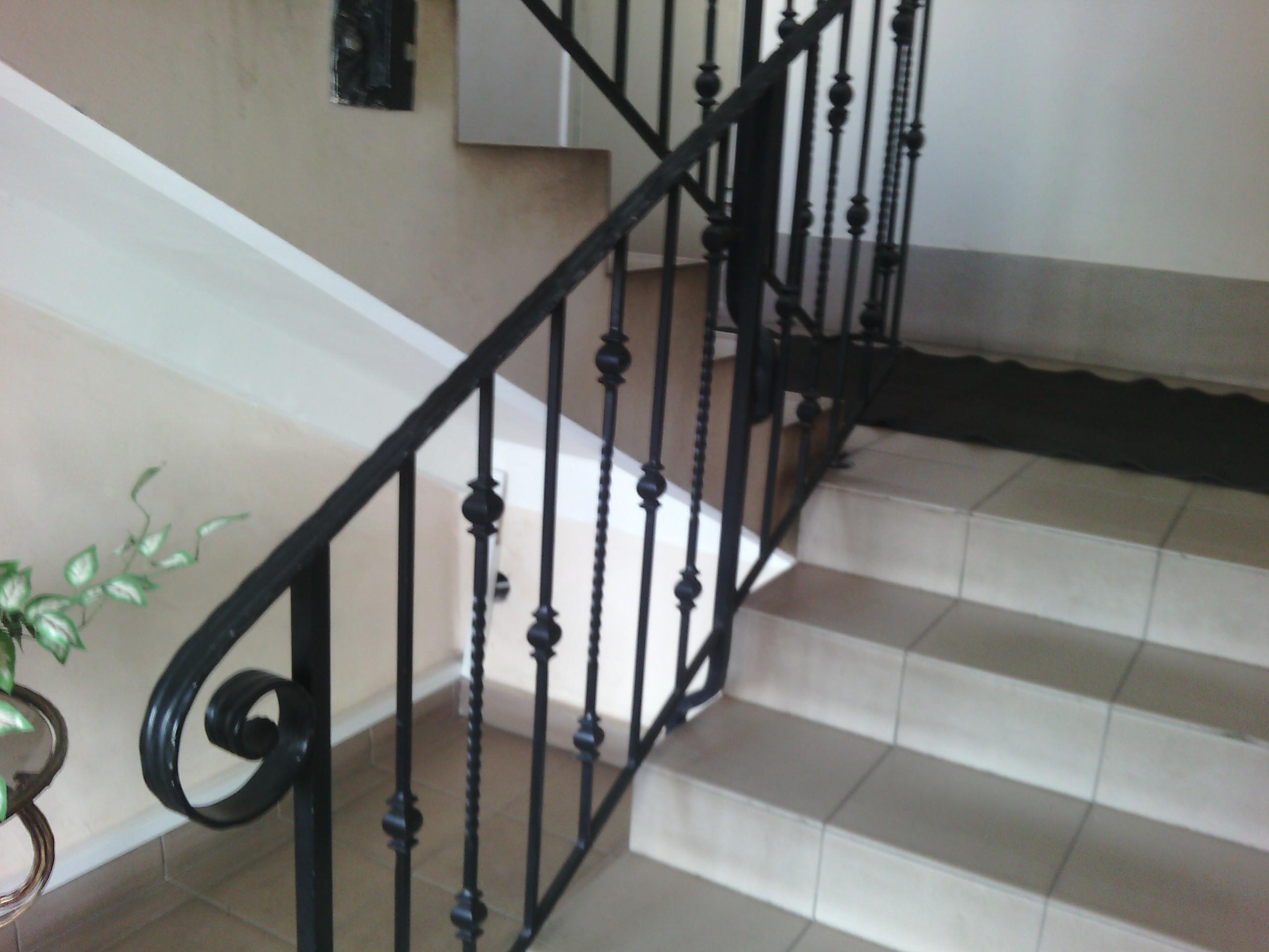 33) лестница сварная-кованая с блюстерами