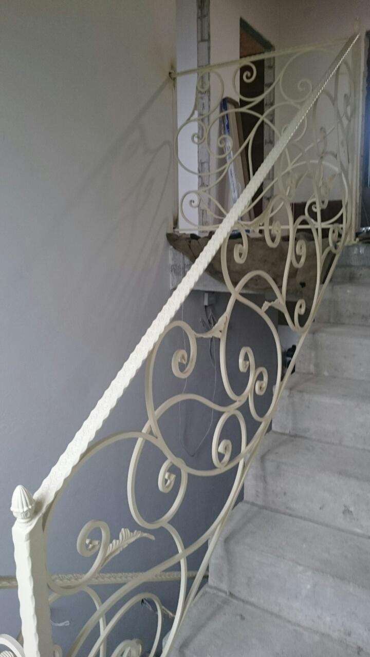 Лестница в цвете