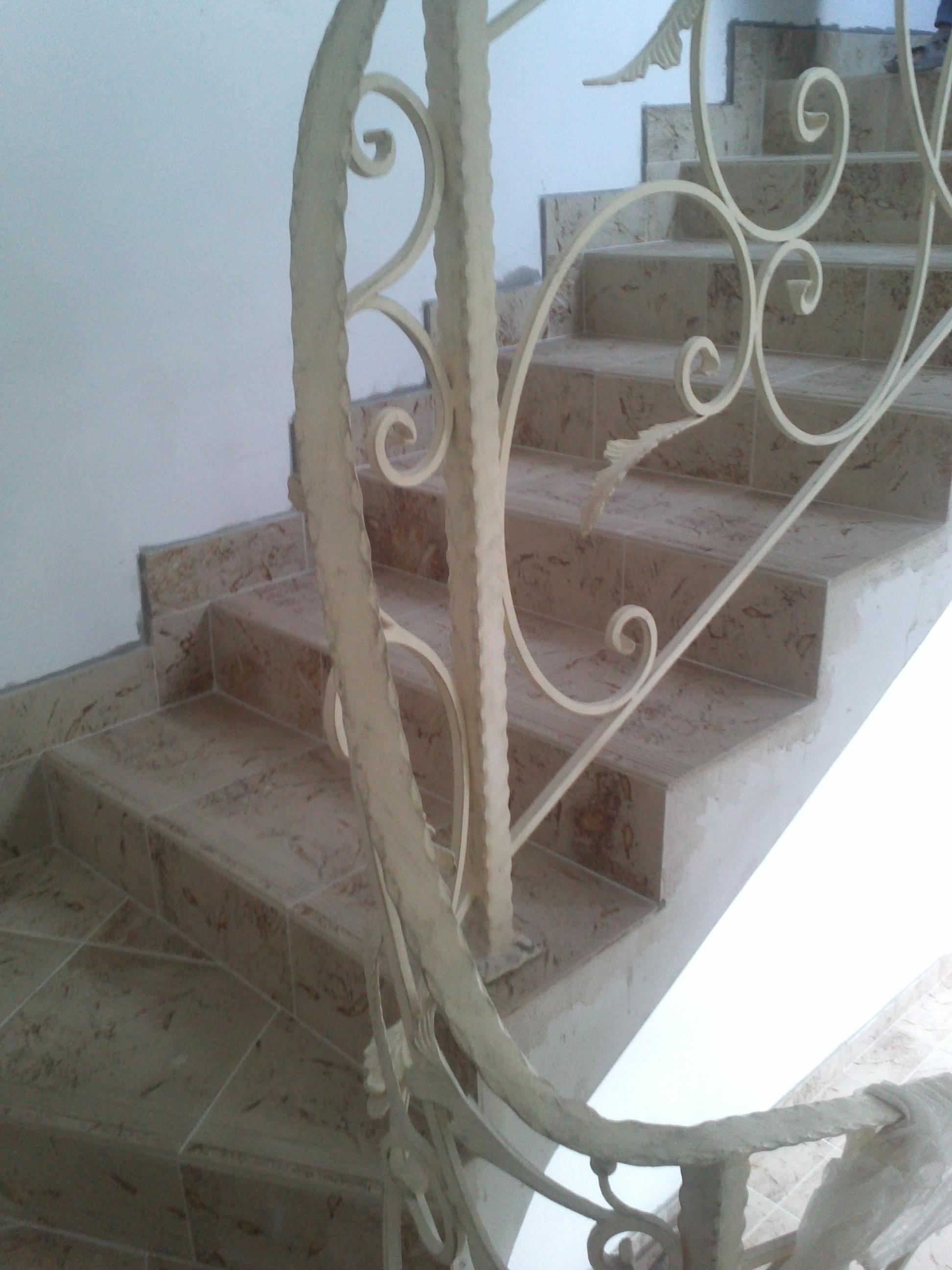 Поворотный элемент на лестнице